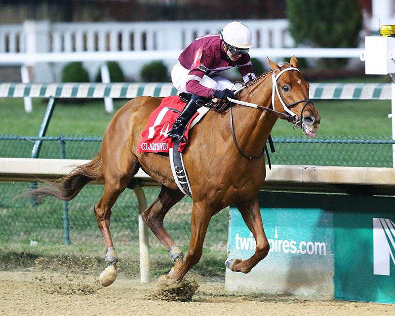 Gun Runner wins the 2016 Clark H. for his first Grade 1 victory